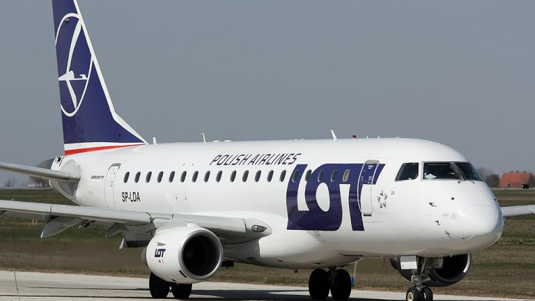 LOT Polish Airlines will get a su​bsid​y for Vilnius to London City route